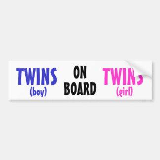 A bordo - dos gêmeos do menino/menina adesivo para carro