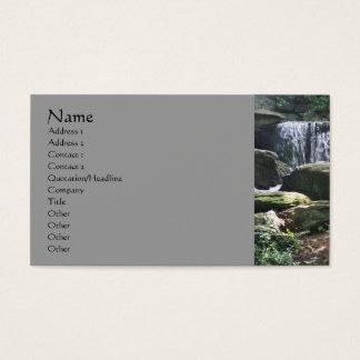 A cachoeira balança o cartão de visita da
