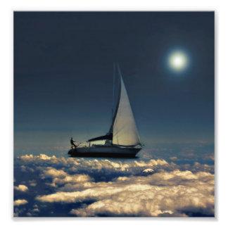 A calha de navegação nubla-se a colagem sonhadora impressão de fotos