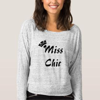 a camisa chique das mulheres