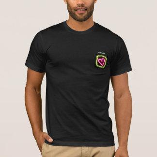 A camisa coração verde & cor-de-rosa do arrumador