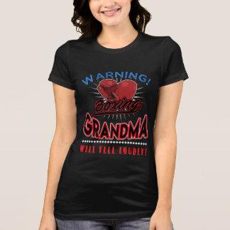 A camisa da avó do encaixotamento, avó gritará