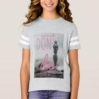 A camisa das meninas da sereia