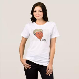 A camisa das mulheres do excremento de