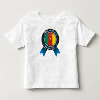 A camisa do bebê diz, feito em República dos