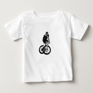 A camisa do Mountain bike T dos meninos apresenta