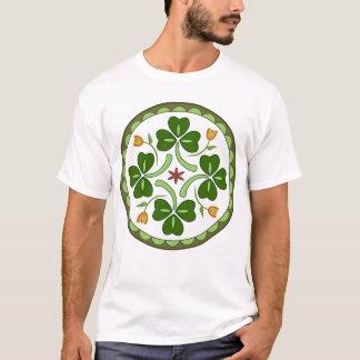 A camisa dos homens - Hex irlandês da boa sorte