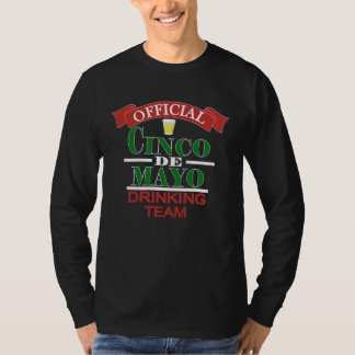 A camisa dos homens oficiais da equipe do bebendo