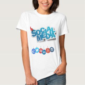 a camiseta das mulheres sociais dos meios