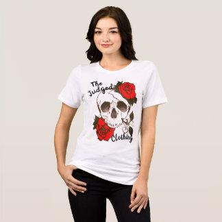 a camiseta das mulheres thejudged rosed vermelho