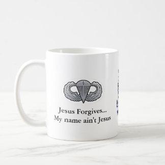 A caneca de café 505 Jesus perdoa