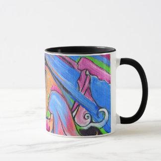 A caneca de café cor-de-rosa da campainha de