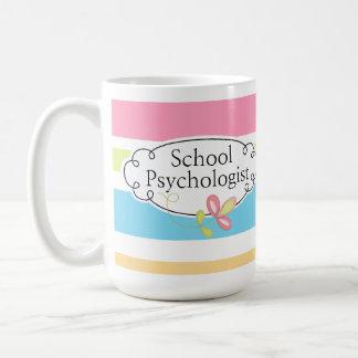 A caneca do psicólogo listrado da escola