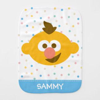A cara | do bebê de Ernie adiciona seu nome Paninho De Boca