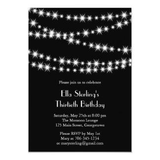 A cintilação ilumina o convite do aniversário (o