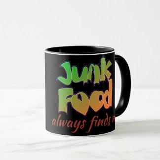 a comida lixo encontra-me sempre caneca de café