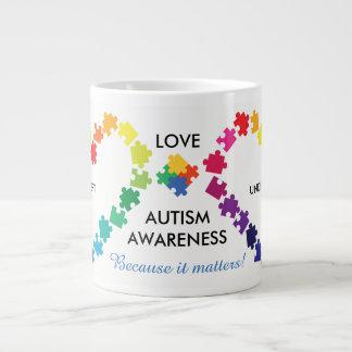 A consciência do autismo importa grande caneca de