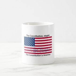 A constituição, 1 caneca estúpida