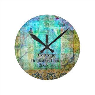 A coragem não cai para trás JOANA de citações do Relógio Redondo