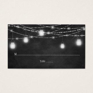 A corda dos frascos de pedreiro ilumina cartões do