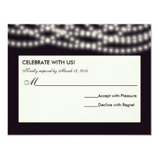 A corda ilumina o cartão de resposta do convite