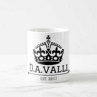 A coroa denominou a caneca de café
