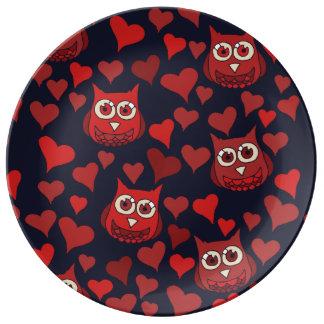 A coruja que você precisa é amor pratos de porcelana