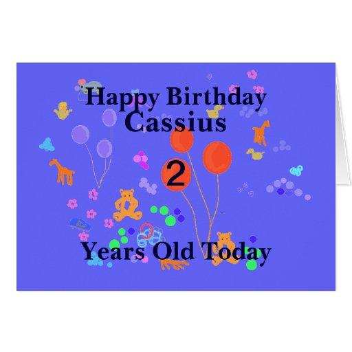 A criança de 2 anos do feliz aniversario adiciona  cartões