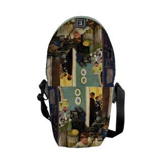 A criança esvazia bolsas bolsa mensageiro