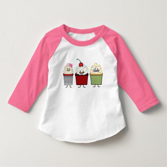 A crosta de gelo da família do cupcake polvilha o camiseta