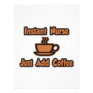 A enfermeira imediata… apenas adiciona o café panfletos personalizados