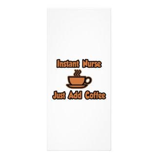A enfermeira imediata… apenas adiciona o café 10.16 x 22.86cm panfleto
