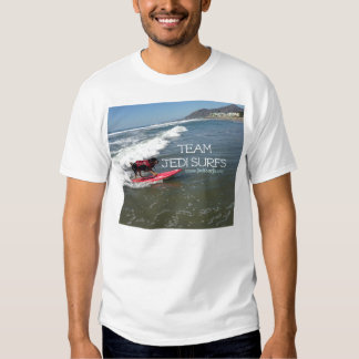 A equipe Jedi surfa a linha Tshirts