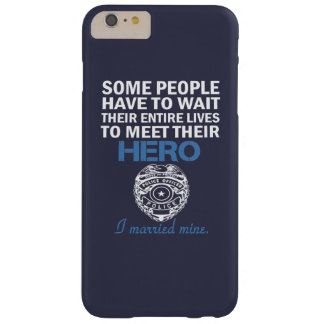 A esposa do agente da polícia capas iPhone 6 plus barely there