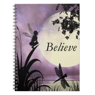 A fada do luar acredita o caderno