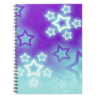 A fantasia Stars o fundo do céu da silhueta da Cadernos
