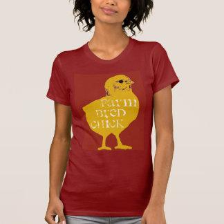 A fazenda produziu o t-shirt do pintinho