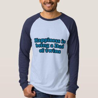 A felicidade está sendo um pai dos gêmeos camisetas