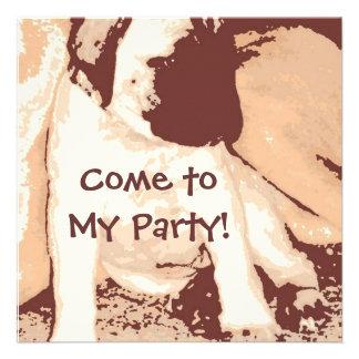 A festa de aniversário convida filhote de cachorro convites