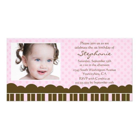 A festa de aniversário da menina marrom cor-de-ros cartão com foto