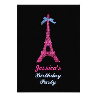 A festa de aniversário da torre Eiffel de Paris do