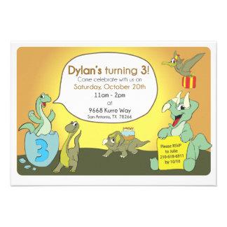 A festa de aniversário do dinossauro convida convite