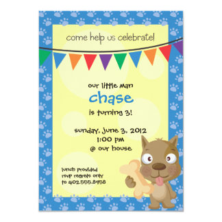 A festa de aniversário do filhote de cachorro de convite personalizado