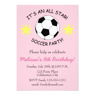 A festa de aniversário do futebol caçoa o convite
