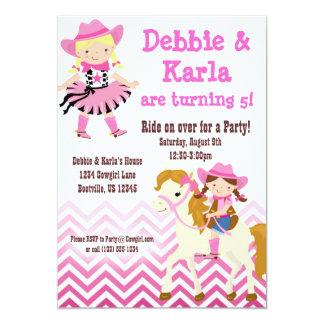 A festa de aniversário gêmea cor-de-rosa das convite 12.7 x 17.78cm