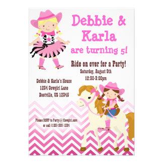 A festa de aniversário gêmea cor-de-rosa das vaque