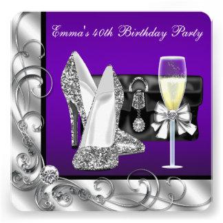 A festa de aniversário roxa da mulher