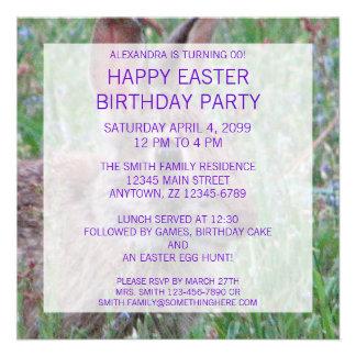 A festa de aniversário temático da páscoa do coelh convites