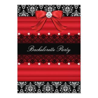A festa de solteira vermelha & preta do laço do convite 12.7 x 17.78cm