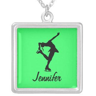 A figura cal da colar do patinador personaliza-o!